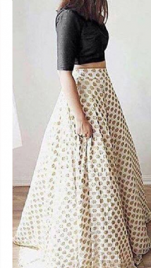 Stunning Flowy Lehenga With Black Blouse